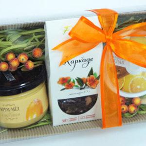 """Подарочный набор микс """"Фруктовый сад"""": чай, крем-мед, скраб"""
