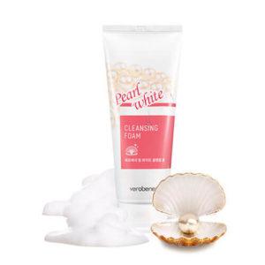"""Очищающая пенка для умывания восстанавливающая с белым жемчугом White Pearl Cleansing Foam """"Verobene"""""""